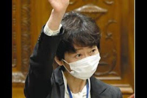 加藤勝信官房長官は26日の記者会見で、緊急事態宣言解除に関連し、菅義偉首相が同日中に記者会見を行わないことを明らかにした。「宣言が全面…